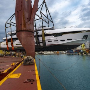 United Yacht Transport, Vessel Loading, North American Leader In Yacht Transport