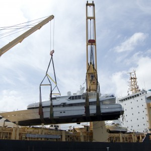 United Yacht Transport -  M/Y Solaris Coming Aboard the Tong An Cheng