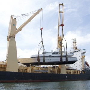 United Yacht Transport -  M/Y Solaris Being Loaded on Tong An Cheng
