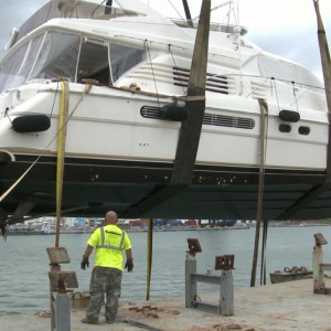 Yacht Transport - United Yacht Transport - Lifting In