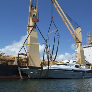 United Yacht Transport - M/Y Solaris Being Brought Aboard the Tong An Cheng
